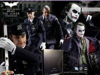 Click image for larger version.  Name:mib_hot_toys_dx01joker_the_dark_knight_16_scale_action_figure_1527466591_a7040d8e.jpg Views:0 Size:122.7 KB ID:486957