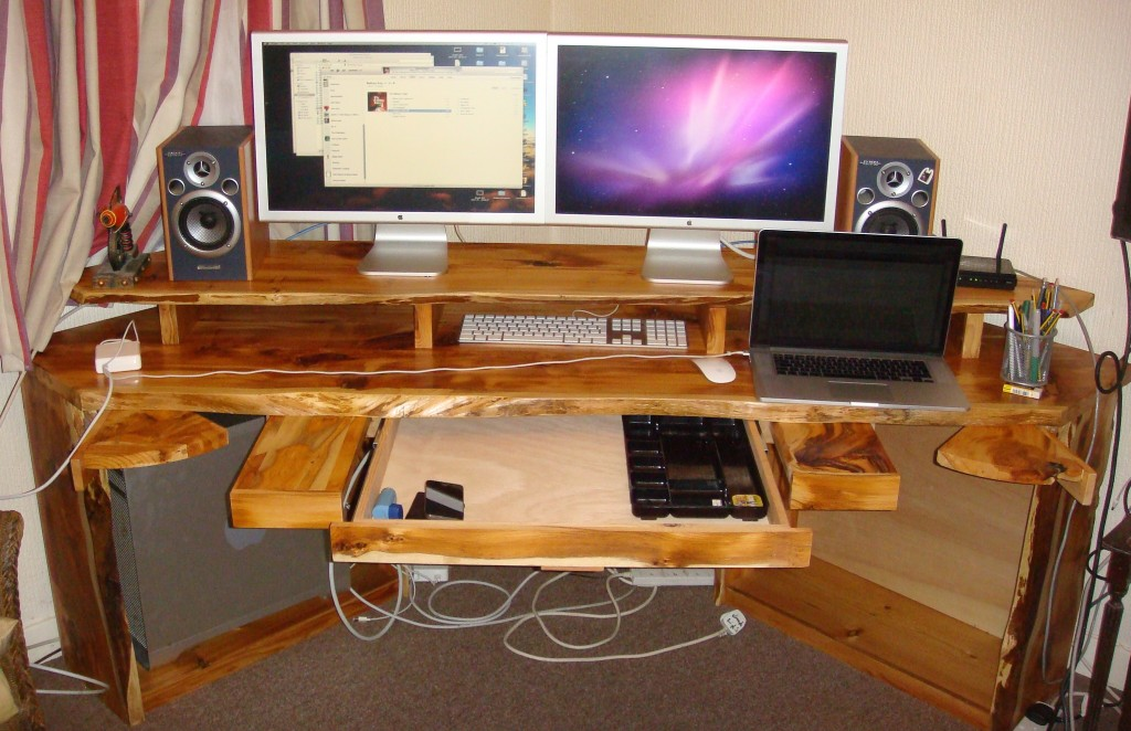 Yew video editing desk